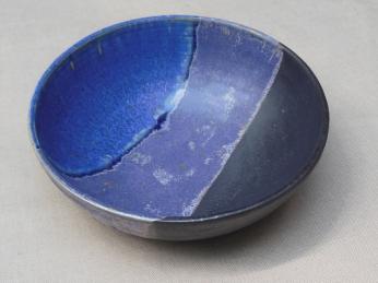 kleine Schale, blau/scharz/violett, 13x4,5cm, 12 Euro