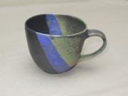 Tasse grün/violett/schwarz, 8,5x11xm, 15 Euro