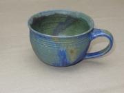bauchige Tasse, grün/blaue 7,7x11cm, 14 Euro