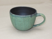 schwarz/grüne Tasse, 8,5x11cm, 14 Euro