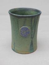 grüner Becher, 10,5 x 8,6, 14 Euro