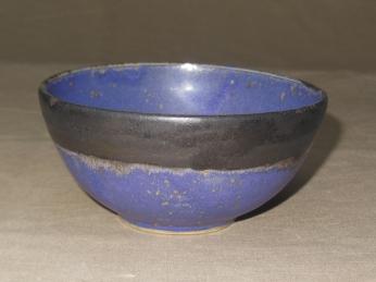 Schälchen, violett/schw. Rand, 11,5x5,5cm, 10 Euro