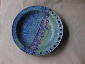 Tiefer Teller, blau/violett/Punkte, 20x4,5cm, 17 Euro